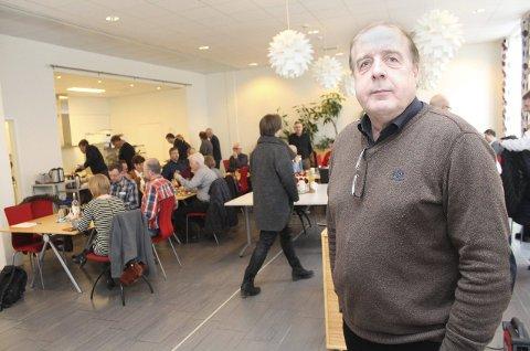 Undrende: MON-sjef Leif Ståle Søfting lurer på hvorfor PLU Hauan tilsynelatende ønsker fortsatt (helikopter) drift ved Røssvoll. Her er Søfting fotografert under næringslivslunsjen i Helgelendingens kantine torsdag. Foto: Jon Steinar Linga