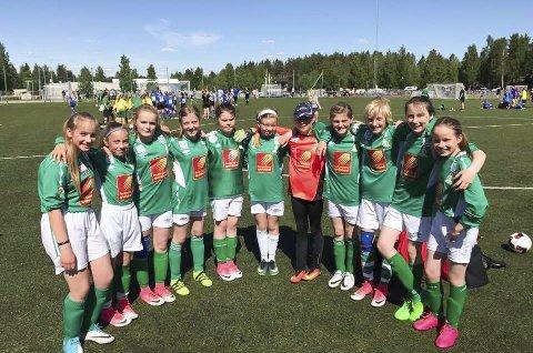 UBESEIRET: Olderskog J12 ble ubeseiret etter sine kamper i Lappland Soccer Cup i Lycksele.  Foto: Privat