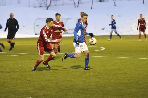 Eirik Høgseth (bilde) ble tomålsscorer i cupdrama på Stamnes Arena da Mosjøen slo Namsos 6-3 etter straffesparkkonkurranse i 2. kvalifiserende runde. I kveld ble han tremålsscorer og var et helt angrep alene.