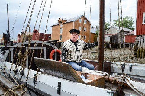 Øystein Thrana spiller Høvedsmann som eier båten Rappstein
