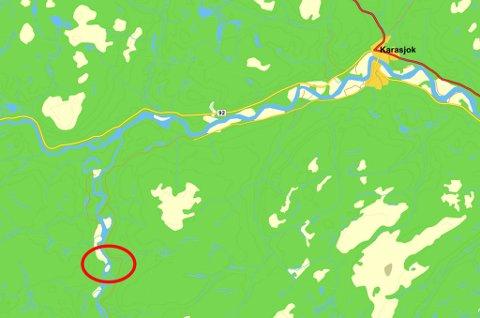 UTSATT FOR FLOM: Hytteområdet på Buollannjarga ved elva Karasjohka er utsatt for flom. Kart. Gulesider.no