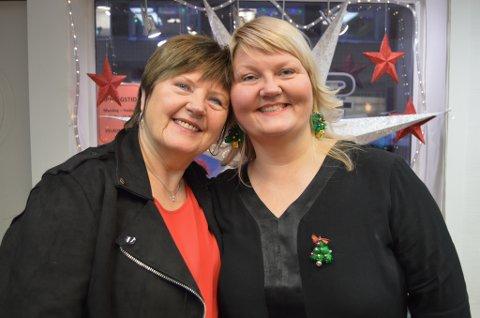SELGER UNNA: Kari Carstens og Veronica Carstens salong Cheri skal flytte til et mindre lokale. Derfor selger de unna både frisørstoler og klippeutstyr.