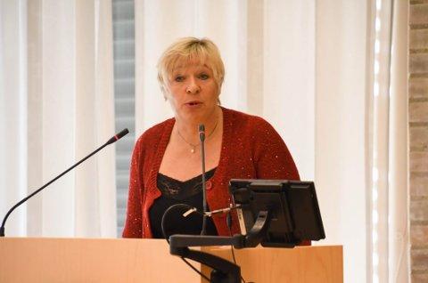 AKTIV: Rut Olsen fra Fremskrittspartiet var aktiv i debatten i om sykehussammenslåing i fylkestinget. Hun mente sammenslåing var best for pasientene.