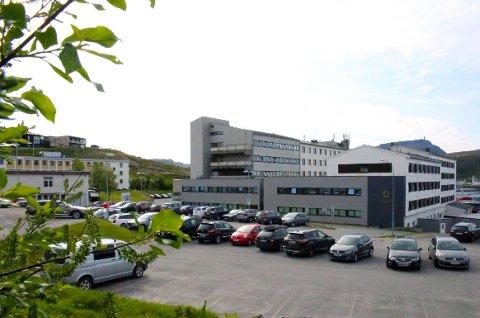 BARNEHAGEBEHOV: De ansatte ved Hammerfest sykehus kan få behov for døgnåpne barnehager ved en ny smittetopp.