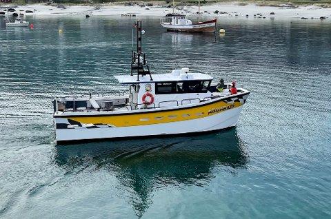 TAXI PÅ VANN: Denne båten, med plass til 12 passasjerer, pluss mannskap, skal benyttes som fjordtaxi i Loppa de neste årene.