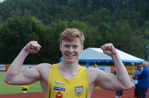 Adrian Kinnunen ble skadet og måtte trekke seg fra finalen på 100 meter under UM. Dette er hans første ungdomsmesterskap på flere sesonger.