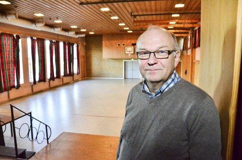NY KULTURSAL: Kultursjef Sigbjørn Solheim har mange ønsker for samfunnshuset på Bråte. Spørsmålet er hvor mye som er igjen av rehabiliteringsbudsjettet.Foto: Øyvind Henningsen