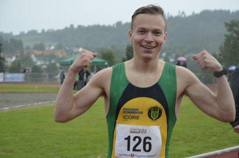 VISTE MUSKLER: Markus Einan kunne juble to ganger for gull i helgens junior-NM på Brandbu. Foto: Jon Wiik.