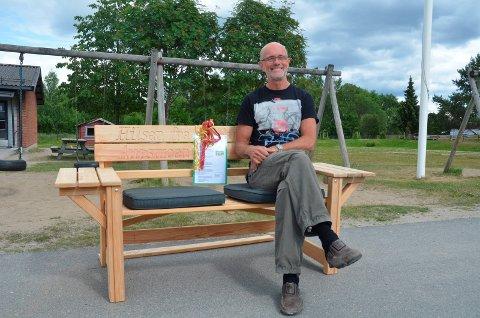 ÆRESMEDLEM: John Ulland ble nylig æresmedlem i Mangenfjellet Turlag. Her avfotografert idet han gikk av som undervisningsinspektør ved Aursmoen skole i 2014.