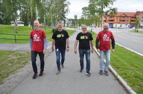 FOLKEFEST: Ole-Christian Østreng (t.v.), Erik Bakke, Kjell Roar Nygård og Stig Vormeland i Stuttreist & Himlaga håper på en ny folkefest i slutten av september.