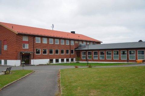 Dagens Aursmoen skole kan bli historie om noen år.