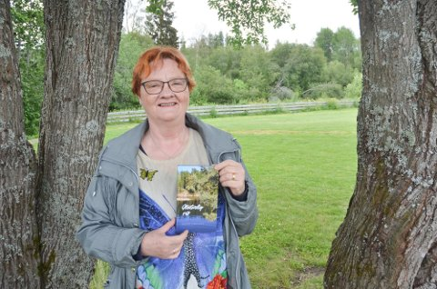 Solfrid Nikolaisen har utgitt flere bøker.