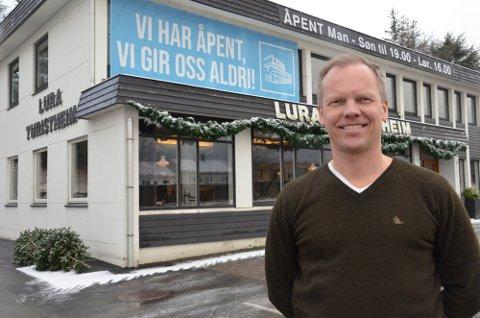 NY EIER: Christian Waage ved Lura Turistheim har kjøpt rettene til Dolly Dimple's-navnet. Bjørn Vestly blir leder for kjeden.