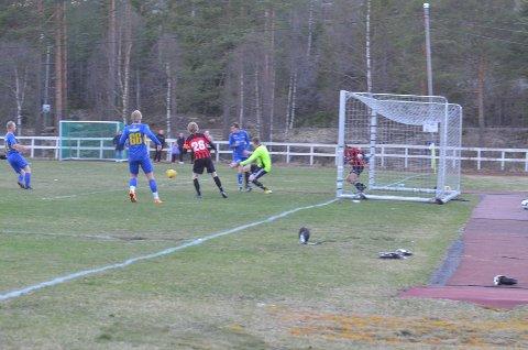 Bengt Sveen har akkurat avsluttet fra 10-12 meter.