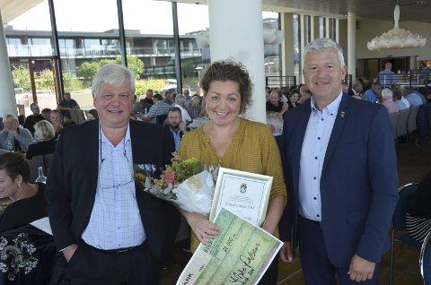 Gründerprisen: Banksjef Jon Guste- Pedersen, prisvinner  Nina Toft og Ordfører Jone Blikra