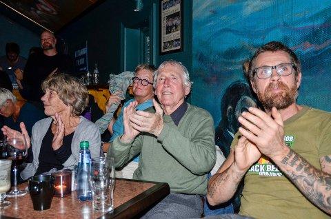 BEGEISTRET: Alf Cranner var svært begeistret, og applauderte villig sammen med det øvrige publikum.