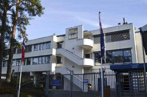 Australsk selskap: I juli ble det klart at det australske selskapet TPI Enterprises kjøpte Vistin Pharma i Gruveveien. Ved porten til anlegget er både det norske og det australske flagget heist opp, og Vistin Pharma-skiltet er fjernet.