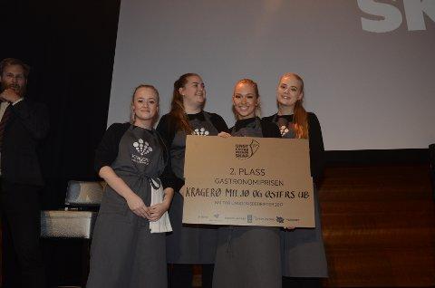 NUMMER TO SAMMENLAGT: Kragerø miljø og østers ble nummer to da hovedprisen, Norges beste ungdomsbedrift, ble utdelt under mesterskapet.