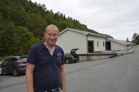 Daglig leder Stein Helge Skjelde ved Sørsmolt AS har bygget opp en bunnsolid bedrift i Kjølebrønd.