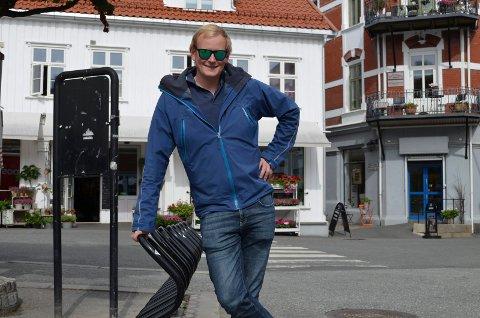 Tilrettelegger: Prosjektkoordinator i Kragerø kommune, Espen Engebretsen, forteller at de ikke kan forvente at folk skal sykle til byen uten å legge til rette for det.