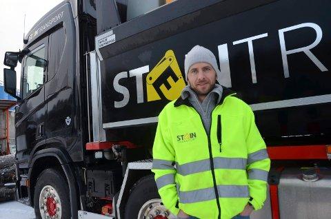 Daglig leder Even Hæhre Ødegaard bekrefter at en ansatt hos Steintransport AS er smittet.
