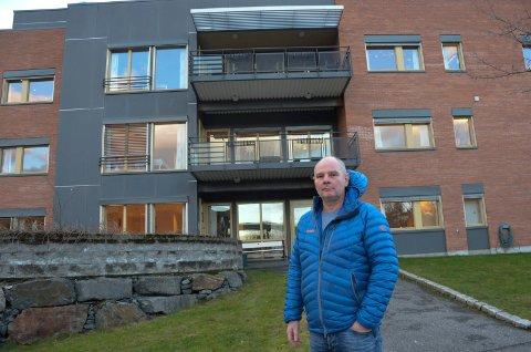 Kommunalsjef Alv Dag Brandal ved Marienlyst sykehus, der det planlegges å ta hele tredjeetasjen i bruk til korona-pasienter dersom det blir behov for det.