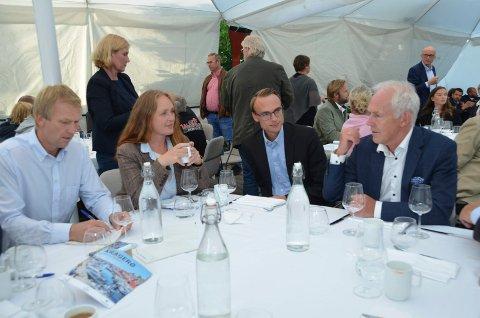 Kjell Erik Nordby fra Vistin Pharma (t.h.) hadde mange klare meldinger til politikerne.