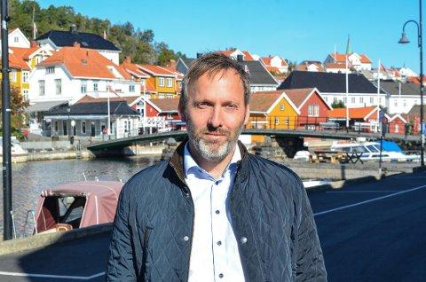 Fjordbåtselskapets daglige leder Borgar Slørdal forsikrer at korona-situasjonen tas på alvor.