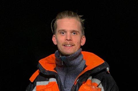 SIN EGEN SJEF: Simen Ramberg Lauvåsdal har opprettet et enkeltpersonforetak, hvor han skal drive med mekanisk arbeid.