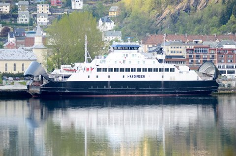 MF «Hardingen» hadde diesel-lekkasje søndag kveld. (Arkivfoto: Eli Lund, Hardanger Folkeblad).