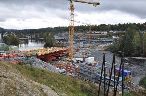 SOMMER 2017: Kunne man se konturen av en ny bro.
