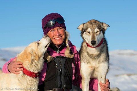 SPENT: Inger-Marie Haaland fra Rollag har vunnet 1.000 kilometeren i Finnmarksløpet, men nå skal 58-åringen for første gang i karrieren kjøre 1.200 kilometer. FOTO: PRIVAT