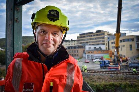 Christer Halvorsen er prosjekteringsansvarlig. Han har planlagt helgens kulvert-prosjekt i ett års tid og håper han har husket på alle detaljene.