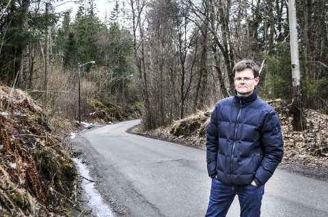FARLIG VEI: Veien over Gullaugkleiva er både bratt, uoversiktlig og smal. – Det må være en balanse mellom veistandard og trafikkmengde, sier leder i Gullaugtoppen Velforening, Knut Ivar Støfring.