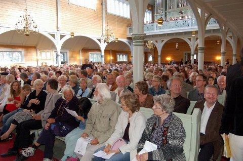 LINK: Fra en tidligere avslutningskonsert i Buksnes kirke. Også i år blir finalen i kirka.Foto: Magnar Johansen