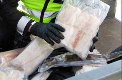 SMUGLING: I helgen ble flere turistfiskere tatt for å prøve å smugle fisk ut av landet. Ill.foto
