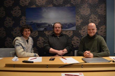 NYETABLERT: Inge Wegge (t.v), Yngvar Christensen (i.m) og Geir Stokke (t.h) kunne i desember offentliggjøre det nye selskapet. Arkivfoto: Øistein Falch