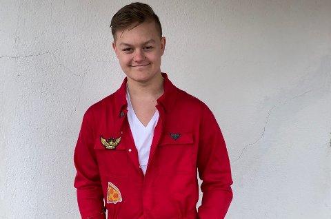 Elias Endresen Johansen er årets russepresident ved Vest-Lofoten videregående skole.