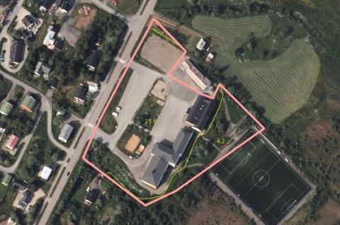 Saken gjaldt føring av kabler over den markerte eiendommen rundt Bøstad skole.
