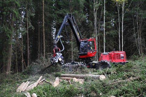 Slike maskiner vil du snart kunne se og høre i området rundt Pinnikhaugen på Vingnes.