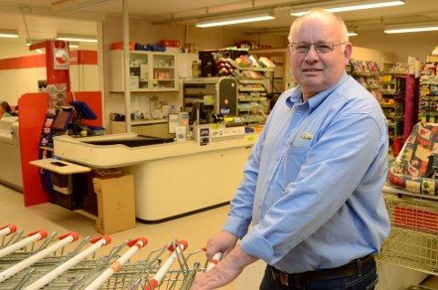 Svein Kalkvik både eier og driver Joker på Vingrom.