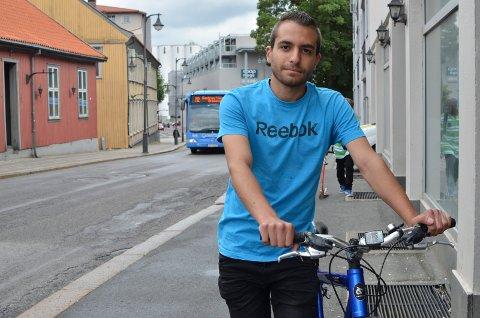 Mohammed Noor Almaaz tar gjerne imot sykler.