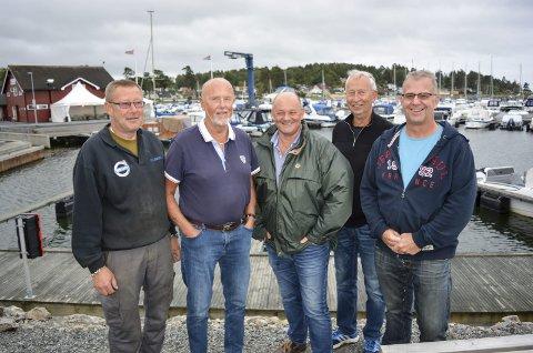 STYRET I JUBILEUMSÅRET: Styremedlem Richard van Rijn (fra venstre), havnesjef Kai Wilhelmsen, leder Johnny Trandem, sekretær Per Dagfinn Hansen og kasserer Morten Jensen.
