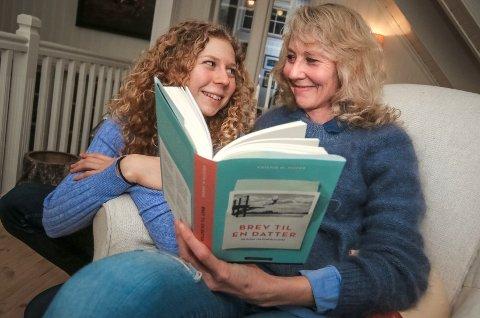 """Kristin Marie Hauge har skrevet boken """"Brev til en datter"""". Brev til en datter er en annerledes og nær historiebok, et fortrolig brev til Skam- generasjonen om alt mødre i dag ligger våkne for. Boken er også en bok til datteren Hedda (16)"""