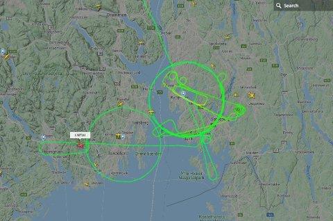 FLYKUNST: Strekene etter flyvingen over Østfold onsdag så slik ut på Flightradar.