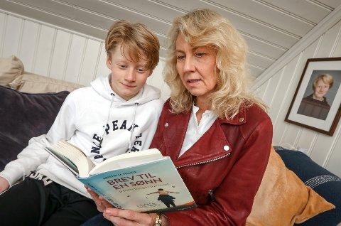 MOR OG SØNN: I sin nye bok forteller Kristin M. Hauge om forholdet til sønnen Haakon. Deler av innholdet er basert på dagboknotater hun gjorde i forbindelse med ulykken han ble rammet av.