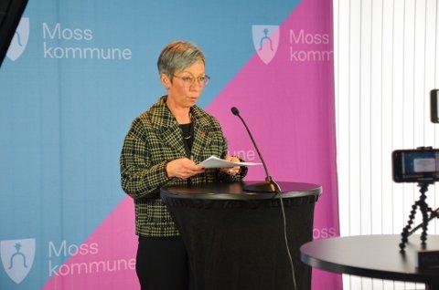 ÅPNER OPP: Moss kommune viser til flere årsaker til hvorfor de nå letter på tiltakene i Moss. Ordfører Hanne Tollerud (Ap) forstår at noen kan mene at det er rart.