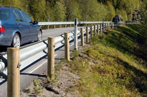 NY ASFALT: Fylkeskommunen skal legge ny asfalt på Fv 769 mellom Brekksillan og Salsnes. Da blir det kø.