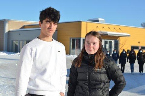 Bahir Salem (16) og Eva Ustad Jakobsen (15) mener det finnes mange muligheter for ungdommer i bydelen Heimdal. Spesielt innen idrett.