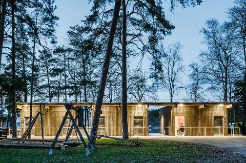 MALMØYA: Flux Arkitekter har tegnet dette garderobeanlegget ved Solvik Badeplass. Foto: Damian Heinisch